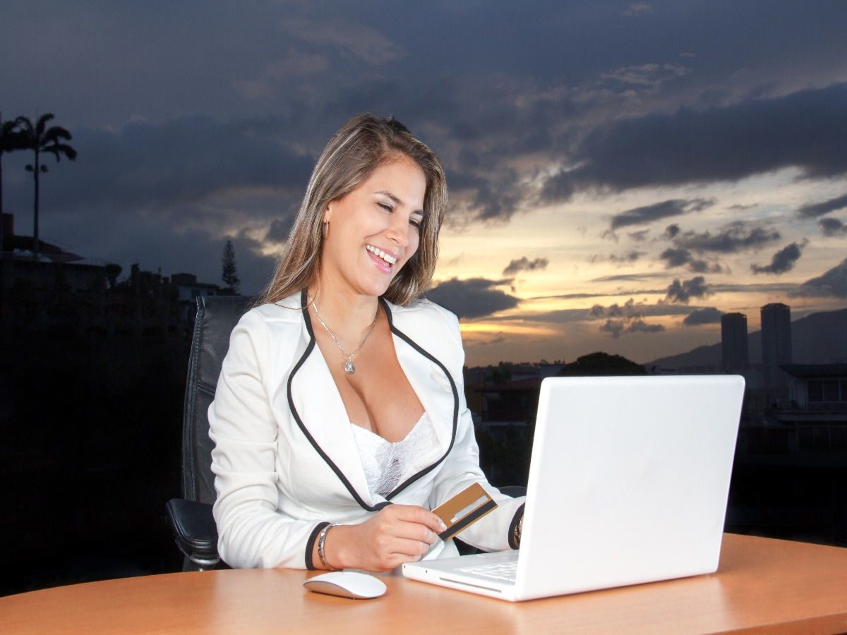 10 Benefits of Having a Business Credit Card